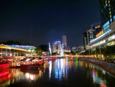Clark Quay Singapura Dengan Sepenggal Senja Yang Romantis